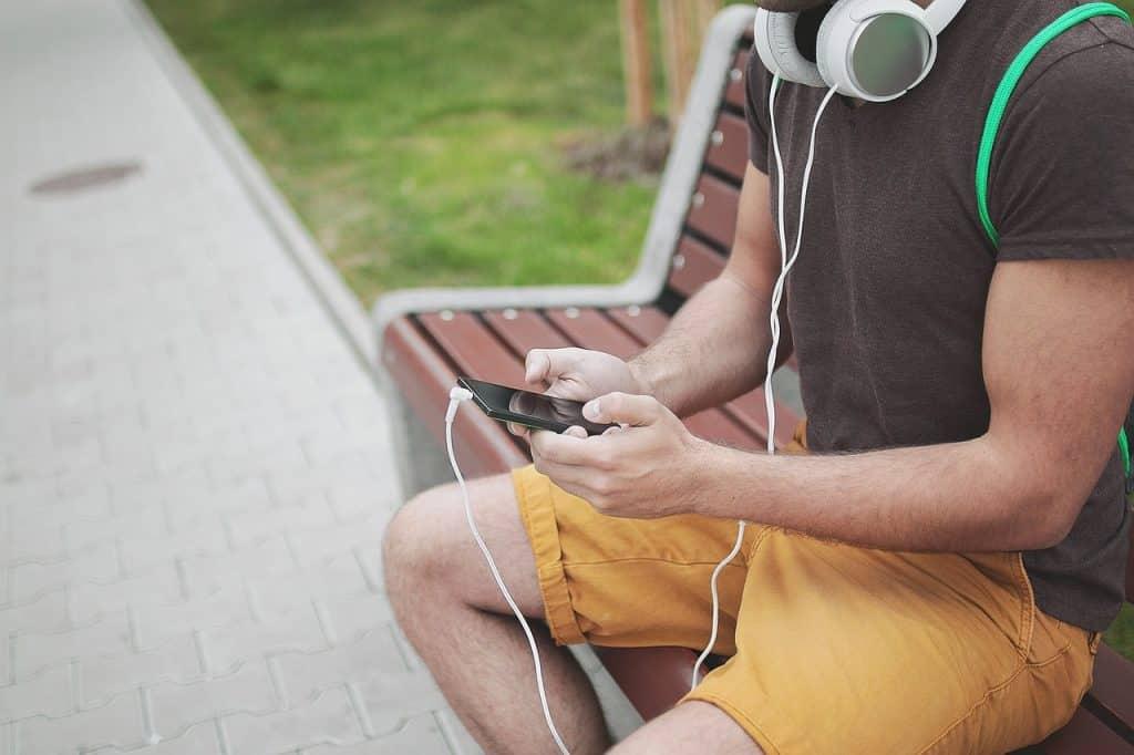 Pourquoi les casques audio filaires restent plébiscités